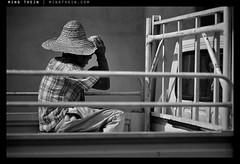 _8038581 copy (mingthein) Tags: life street people blackandwhite bw film monochrome zeiss