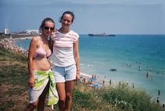 Raluca & Laura (Patrasciuc Roxana) Tags: film fuji superia 200 romania blacksea smena smena8 costinesti