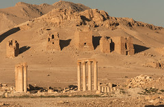 Palmyra LVI  The Tower Tombs at dawn (egisto.sani) Tags: roman romano empire syria palmyra palmira siria delle impero valle tower tomb tetrapolis tombe tombsvalley