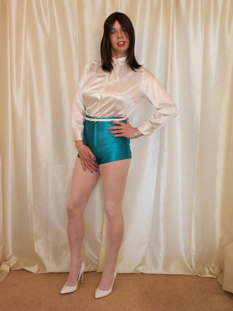 Please, tell satin shorts and pantyhose uma