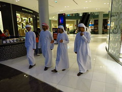 Traditional Emirati dress. (omnia2070) Tags: mall shopping clothing dubai united traditional emirates arab emirati