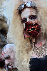 Bonus Hors srie Zombie Walk 1 (CGDP) Tags: paris colors look mouth dead rouge blood eyes nikon bokeh zombie couleurs f14 yeux gore horror bouche undead zombies fx scare sang d800 horreur peur frighten zombiewalk nikoniste nikonpassion pixeliste afs35mmf14g cgdp zombiewalk2013