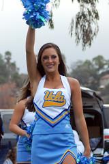 DSC_0109 (bruin805) Tags: cheerleaders ucla bruins danceteam spiritsquad pac12