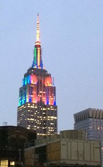 Empire State Building lit for SuperBowl LXVIII (actor212) Tags: nyc newyorkcity newyork empirestatebuilding