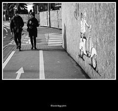 ferdina 'ndo vai se la moto non ce l'hai? (magicoda) Tags: street people blackandwhite bw italy woman art love girl donna nikon strada italia vespa foto arte heart candid streetphotography scooter bn persone voyeur moto fotografia dslr cuori cuore amore biancoenero ragazza padova mignon 2014 veneto d300 blackwhitephotos magicoda davidemaggi maggidavide corsomignon