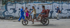 Paseando por La Habana (Laila G.P) Tags: cuba bicicleta graffity lahabana seleccionar