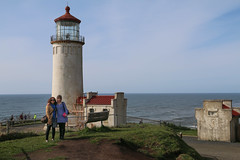North Head Light - Ellas (Carlitos) Tags: woman usa lighthouse sarah faro washington mujer pacific martha northamerica capedisappointment norteamerica