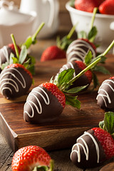 Homemade Chocolate Dipped Strawberries (brent.hofacker) Tags: red food brown green fruit dark dessert juicy yummy healthy strawberry berry day candy natural sweet sauce chocolate cream tasty valentine fresh sugar gourmet delicious covered snack fancy organic diet cocoa chocolatedipped temptation liquid foodanddrink chocolatecoveredstrawberries indulgence freshness ripe nutrition dipped chocolatedippedstrawberries chocolatestrawberries sweetfood