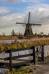 Kinderdijk Windmills (Bianca Lazarini) Tags: trip travel viaje holland netherlands windmill canon landscape europa europe nederland unesco viagem holanda eurotrip destino kinderdijk moinho pasesbaixos xti