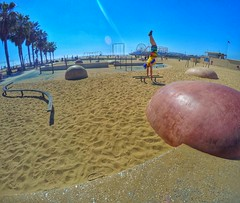 Santa Monica Beach, Los Angeles, California (JOSE LUIS VELO) Tags: california usa losangeles santamonica handstand santamonicabeach musclebeach unitesstates