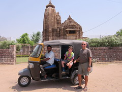 Tuk tuk transportion, everywhere! (vbolinius) Tags: travel india temple tuktuk khajuraho 2016 cooperbolinius vernbolinius