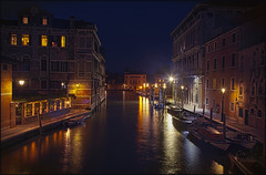 Venice at Night (guenterleitenbauer) Tags: pictures italien light italy night canon austria licht canal grande photo sterreich key wasser flickr foto image photos nacht picture grand images fotos april architektur kanal bild landschaft venedig channel bilder channels canale gnter veneto wels 2016 guenter leitenbauer wwwleitenbauernet landscapevenezia