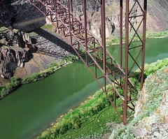 South Supports, Perrine Bridge, Twin Falls, Idaho (ConanTheLibrarian) Tags: bridge brown green river iron cliffs idaho twinfalls snakeriver girders basalt