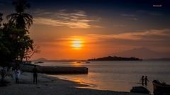 Sunset em Paquet (mariohowat) Tags: sunset brazil sun sol brasil riodejaneiro natureza prdosol paquet entardecer ilhadepaquet rio2016