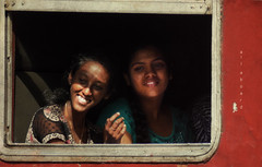 All aboard (Saint-Exupery) Tags: train tren candid srilanka kandy robado