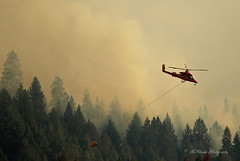 Heading to the river for another load of water (trifeman) Tags: california summer canon fire july eldorado helicopter 7d firefighting tamron placer neu wildfire blm kmax americanriver 2016 usfs eldoradonationalforest enf aeu calfire canon7dmarkii tamron150600mm trailheadfire