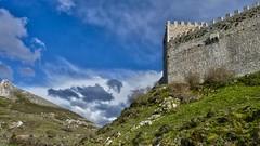 EL CASTILLO Y LAS NUBES (abuelamalia49) Tags: nubes castillo argueso castillodeargueso