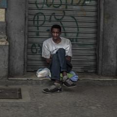 Seated (Julio Lpez Saguar) Tags: juliolpezsaguar rodejaneiro brasil calle street hombre man urbano urban gente people