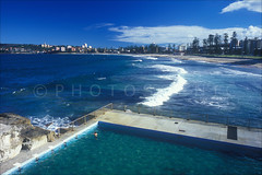 Manly Beach Colour Photos (Thomas Joannes) Tags: australia manlymarket photoscenic sydney sydneybeaches therocksmarket australie frenchphotographer image joannes manlybeach photographe picture sceneries scenicphoto seascape surf surfboard surfer surfing thomas thomasjoannes tourism waves