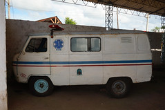 Incredibly old and updated ambulances in Remedios, Cuba (lezumbalaberenjena) Tags: san juan remedios villa clara cuba villas 2014 ambulancia sium ambulance lezumbalaberenjena