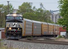 Leaning Into Fostoria (Joseph Bishop) Tags: railroad ohio train track ns tracks rail railway trains rails ge railfan fostoria norfolksouthern 9854 c449w