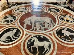 SIENA - IL DUOMO - THE INCREDIBLE FLOOR.  F2234 (Chris Maroulakis) Tags: chris floor cathedral mosaic fujifilm siena marble duomo toscana incredible x30 2016 inrerior maroulakis shewoolf