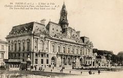 TOURS : Hôtel de Ville (CPA) (xavnco2) Tags: old france vintage cityhall postcard centre townhall kiosk kiosque tours tramway mairie postale carte ancienne hôteldeville cpa indreetloire valdeloire