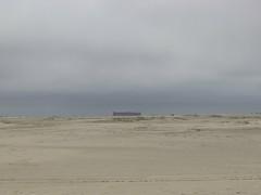 Fata Morgana (Lautes Rot) Tags: leica people beach strand blurry sand ship menschen unscharf schiff borkum 2016 verschwommen dlux5