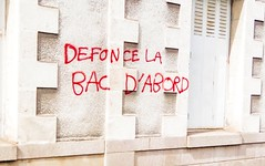 IMG_20160409_154453-2 (Cocomilie) Tags: wall graffiti tags anarchism slogan nantes manifestation punchline loitravail