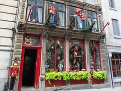 Nol Eternel (Bia Trapp) Tags: christmas travel canada tourism shop montreal