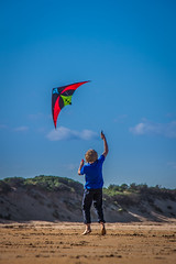 Kite Flying (Adam Cochrane) Tags: sky kite beach kids clouds scotland flying east lothian snad tynninghame