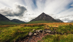 Buachaille Etive Mor (Philipp Klinger Photography) Tags: uk greatbritain blue light shadow sky sun mountain green nature grass rock stone creek landscape scotland highlands nikon stream pyramid unitedkingdom britain shepherd hill great halo glen hills highland gb glencoe mor coe buachaille schottland d800 etive ballachulish pyramidmountain herdsman etivemor buachailleetivemr mr greatshepherd grosbritannien greatherdsman nikon1635mmvr