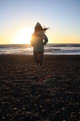 Jump! (Carlis!) Tags: chile sol atardecer mar play playa nia arena salto domingo santo rocas piedras