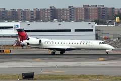 N293SK_7321 (Stephen Wilcox - Jetwashphotos.com) Tags: aircraft jfk embraer145 usairwaysexpress 2013 chautauquaairlines n293sk 145500 newyorkjfkairport