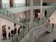 Berlinische Galerie 02 (Sockenhummel) Tags: fuji kunst treppe fujifilm x20 gemälde kunstwerke gemäldegalerie berlinischegalerie altejacobstrasse fujix20