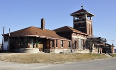 Henderson, Kentucky (1 of 3) (Bob McGilvray Jr.) Tags: railroad abandoned station train kentucky tracks depot passenger henderson ln 1901 louisvillenashville