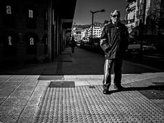 ::.: (kalekumeak) Tags: street people bw apple blackwhite calle gente streetphotography bn kale euskalherria basquecountry paisvasco blanconegro guipuzcoa gipuzkoa beasain zuribeltz jende ionmarkel iphoneography kalekumeak iphonekeriak iphone6plus