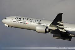 F-GZNN - Boeing 777-328/ER - Air France (Skyteam livery) - CN 40376/1013 (Bastien Spotting Aviation) Tags: france cn air boeing bastien livery skyteam 777328er engerbeau fgznn 403761013