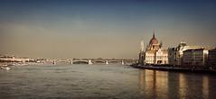 La belleza serena de Budapest (pimontes) Tags: rio puente budapest hungra parlamento danubio pimontes