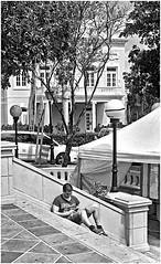 Tecnologa (Technology) (Samy Collazo) Tags: leica bw kodak oldsanjuan puertorico streetphotography bn sanjuan aviary viejosanjuan lightroom plazacolon kodaktrix400 kodakd76 fotografiacallejera lightroom3 niksilverefexpro2 leicalllf1951 summitar5cmf201951