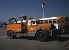 scrtd-D15wrecker (Metro Transportation Library and Archive) Tags: scrtd southerncaliforniarapidtransitdistrict