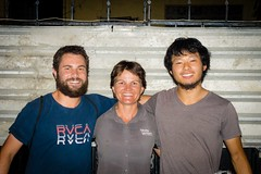 Amanda, with Zach (L) and Yusuke (R), two Americans heading south to Ushuaia.
