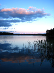 Evening In June (Villa Ylle) Tags: clouds sunset pellinki pellinge gulfoffinland finland thisisfinland auringonlasku ilta evening solnedgng moln skrgrd vass spegling reflection