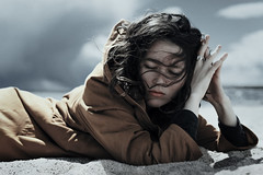 voices in the wind (ESPRIT CONFUS) Tags: portrait girl hair windy emotional melancholy melancholic lovezig16