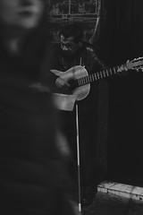 Guitarra (Antonio Rioseco) Tags: chile valparaiso guitar guitarra valparaso mendigo guitarplayer guitarrista pobreza ciego blindman