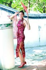 DP1U7209 (c0466art) Tags: light portrait building girl face canon pose fan costume eyes pretty slim action outdoor gorgeous chinese ale style cruz salvador tall charming elegant ols   1dx c0466art