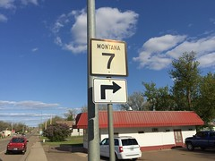 MT-7 South - Wibaux (sagebrushgis) Tags: sign montana intersection shield wibauxcounty mt7