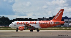 EasyJet   G-EJAR   Airbus A319-111 (aodhgn_tuohy) Tags: unicef uk england london airplane airport aircraft aviation airline airbus gatwick easyjet taxiing livery a319 a319111 aipron