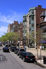 Newbury Street (oxfordblues84) Tags: street city blue trees sky urban building cars car boston architecture buildings tour massachusetts bluesky newburystreet backbay bostonmassachusetts bostonbackbay bostonoldtowntrolley hoponhop