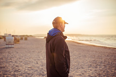 in love with summer. (Paul Reusch Photography) Tags: ocean family light sunset summer sun sunlight art beach water look 35mm germany nikon dad waves sigma colourful cinematic lbeck niendorf